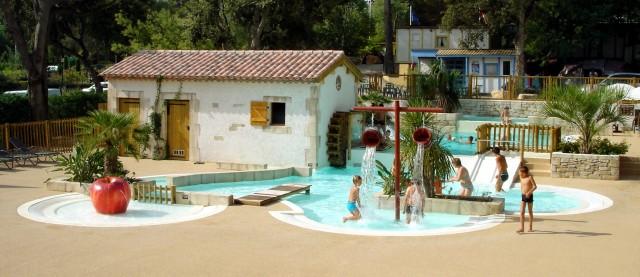 Camping de la treille mobil home cavalaire sur mer for Camping cavalaire sur mer avec piscine