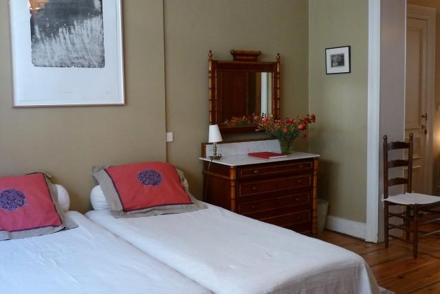 chambre d 39 h te bruxelles belgique. Black Bedroom Furniture Sets. Home Design Ideas