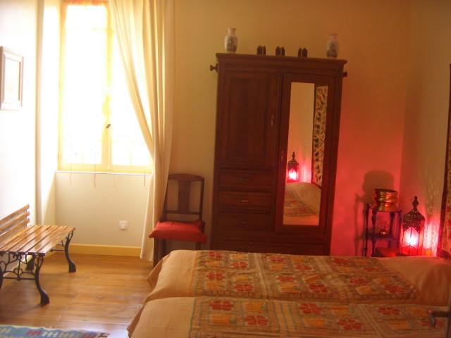 couloum chambre d 39 h te montr al du gers gers 32. Black Bedroom Furniture Sets. Home Design Ideas
