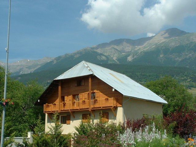 chambres d 39 h tes chambre d 39 h te chateauroux les alpes hautes alpes 05. Black Bedroom Furniture Sets. Home Design Ideas