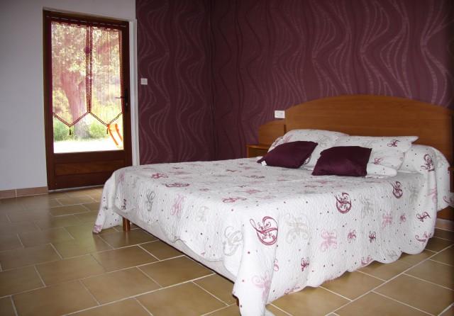 sci la rochette chambre d 39 h te quezac lozere 48. Black Bedroom Furniture Sets. Home Design Ideas