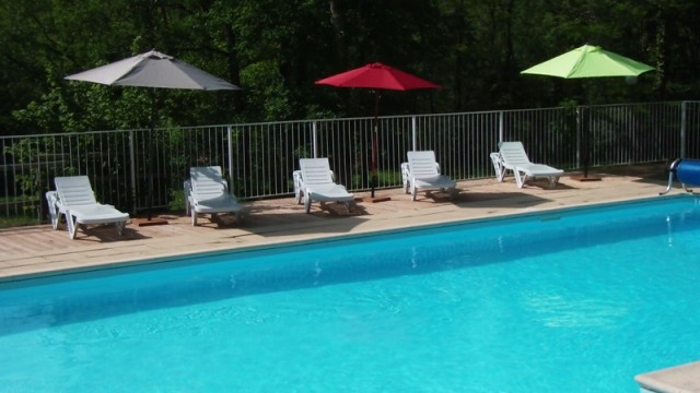 Camping le carbet camping cassagnes lot 46 for Camping cahors piscine