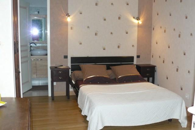 chambres d 39 hotes les tesnieres chambre d 39 h te crollon manche 50. Black Bedroom Furniture Sets. Home Design Ideas