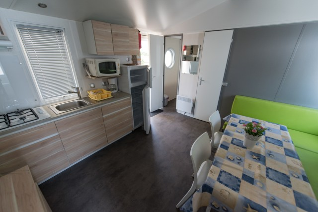 Altea camping mobil home vic la gardiole herault 34 for Salon camping montpellier